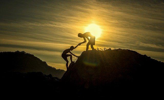 Umzugsbeihilfe kann die helfende Hand auch in schweren Situationen sein